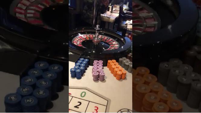Парень выиграл в покер 42 тысячи фунтов и тут же поставил их на рулетку (ВИДЕО)