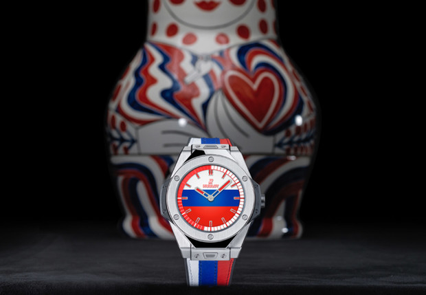 Фото №1 - Большому футболу — «умные» часы!