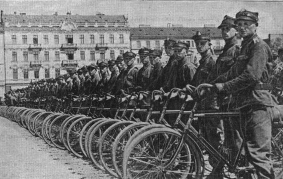 Фото №37 - Непридуманная история велосипедных войск