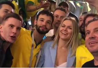 Бразильские фанаты спели москвичке неприличную песню и выложили видео в Twitter. Реакция не заставила себя долго ждать!