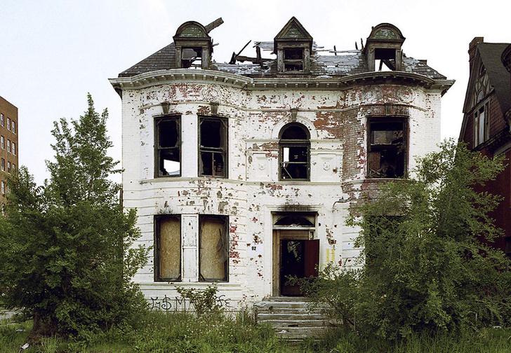 Фото №1 - Ура! В мире есть места, где ты можешь купить дом за 1 доллар! А теперь поговорим о нюансах...