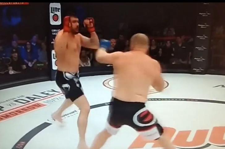 Фото №1 - Бой между россиянином и американцем (видео прилагаем) стал одним из самых коротких в истории MMA