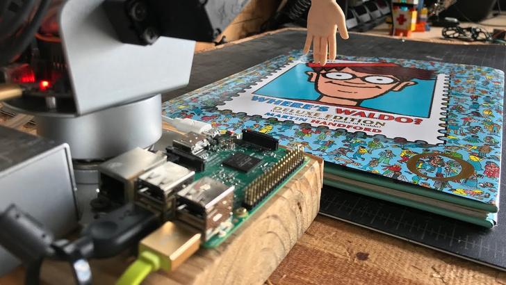 Фото №1 - Разработан робот, который ищет Уолли (видео)