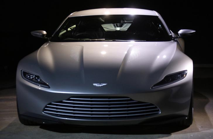 Фото №2 - Новая подружка Джеймса Бонда — cуперкар Aston Martin DB10