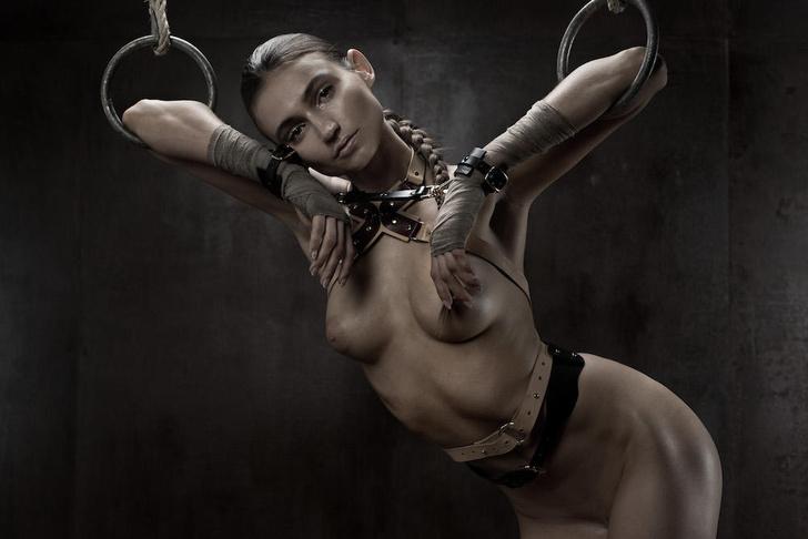 Фото №10 - Фотосессия во французском эротическом журнале, которую мы не могли оставить без внимания