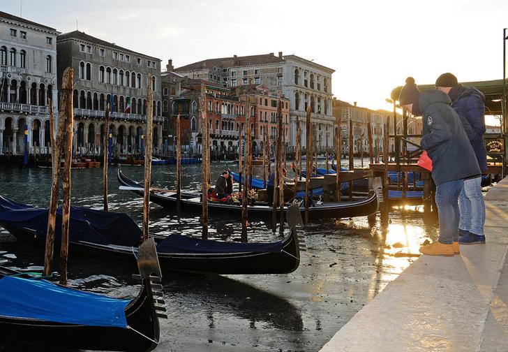 Фото №2 - Полюбуйся (с содроганием), как выглядят улицы Венеции без воды!