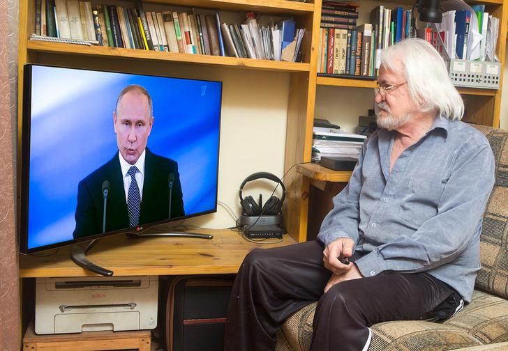 Фото №1 - Как Путин получает пенсию и зарплату и есть ли у него наличные
