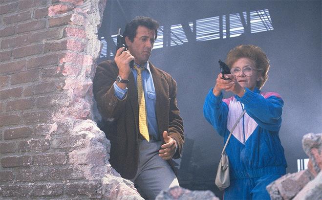 Стой! Или моя мама будет стрелять, 1992    Сильвестр Сталлоне