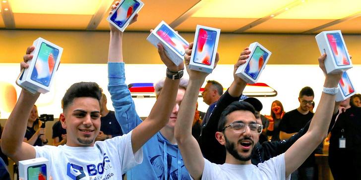 Фото №1 - Хочешь быть богатым? Купи iPhone!