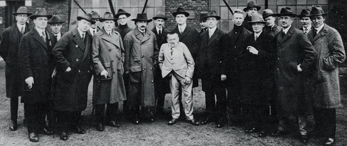 Фото №12 - История жизни гениального инженера-электрика ростом 130 см