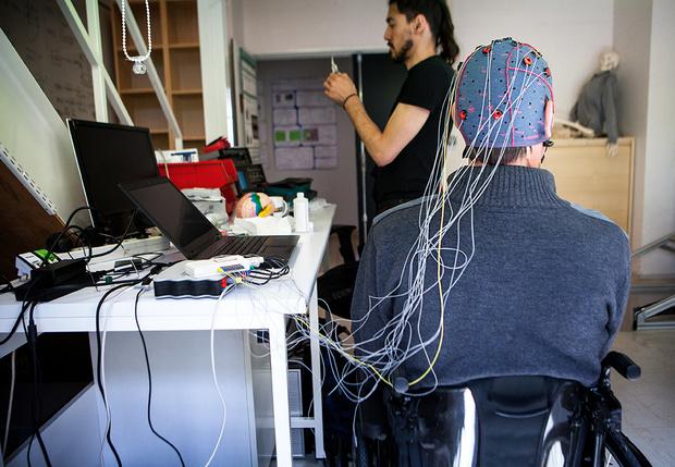 Фото №1 - Разработан нейроинтерфейс, позволяющий преобразовывать мысли в компьютерную речь