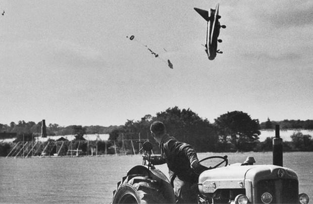 Фото №1 - История одной фотографии: катапультирование пилота истребителя, сентябрь 1962 года