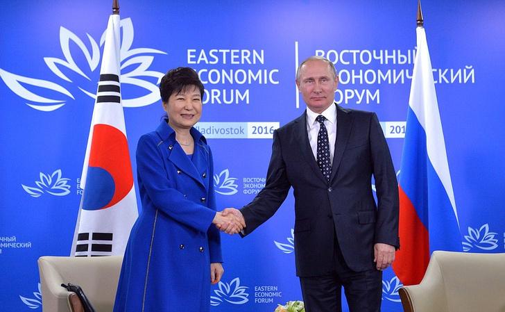 Фото №1 - Бывшего президента Южной Кореи посадили на 24 года за коррупцию
