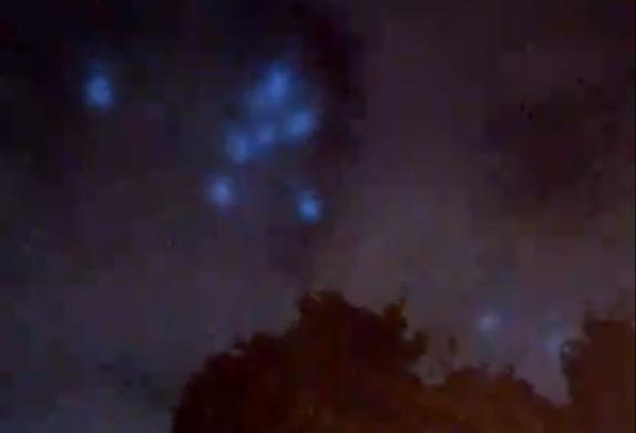 Фото №1 - Над Москвой сняли странные пляшущие пятна (видео). Астрофизик объяснил, что это было