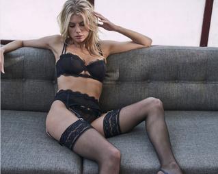 Шарлотта Маккинни запустила собственную линию нижнего белья