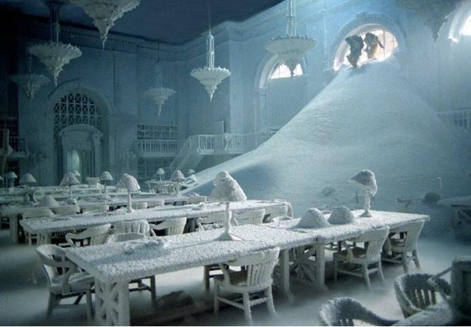 российский фотограф снимает снег свете