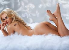Даша Русакова принимает пуховую ванну
