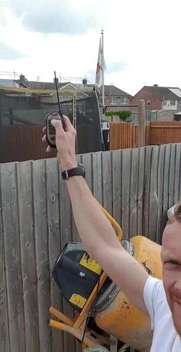 Фото №2 - Британец натравил на дом надоедливого соседа стаю ворон (видео)