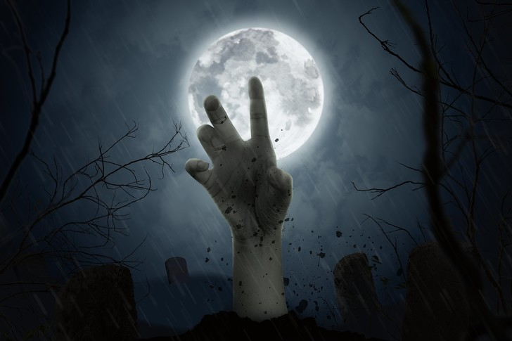Фото №1 - Живому свердловчанину не только выдали свидетельство о смерти, но и сделали могилу и памятник