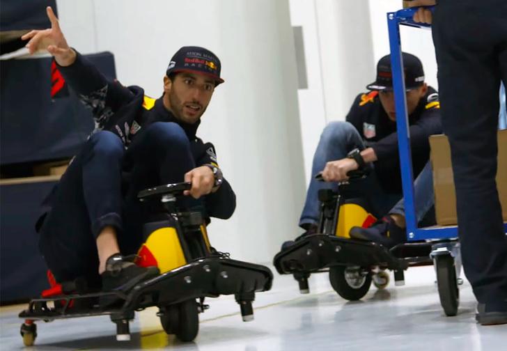 Фото №1 - Пилоты «Формулы-1» гоняют на мини-картах по офису гоночной команды. И это очень смешно