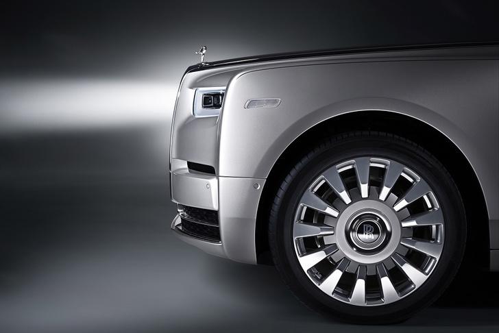 Фото №16 - Rolls-Royce Phantom VIII: представлен самый роскошный автомобиль от начала времен