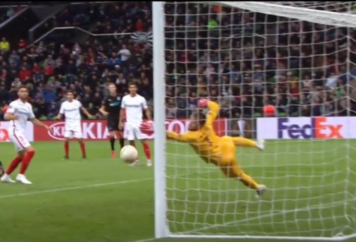 Фото №1 - Видео дня: топ-10 лучших голов сезона в Лиге Европы. И два из них — наши!