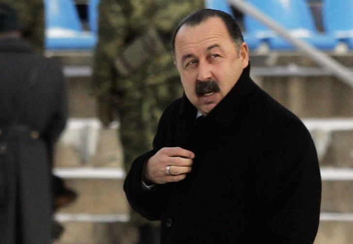 Фото №1 - Страшная тайна усов Валерия Газзаева. Зачем он снова пообещал их сбрить?