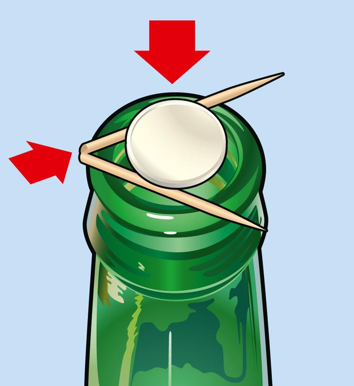 Фото №1 - Фокус: как поместить монетку в бутылку