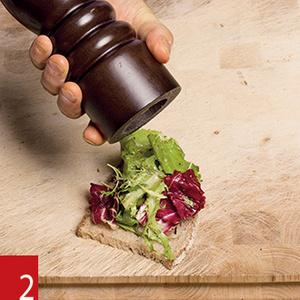 Фото №18 - Маслом внутрь! 4 самых простых мужских сэндвича