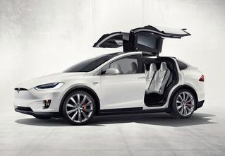 Ток-н-ролл! Первый электрокроссовер от Tesla!