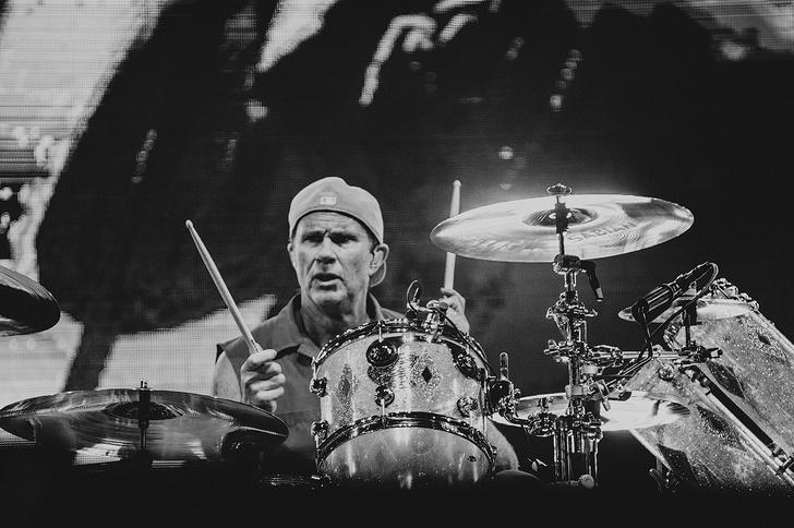 Фото №6 - Что творилось на недавних концертах Red Hot Chili Peppers, Ланы Дель Рей, «Сплина» и других рокеров