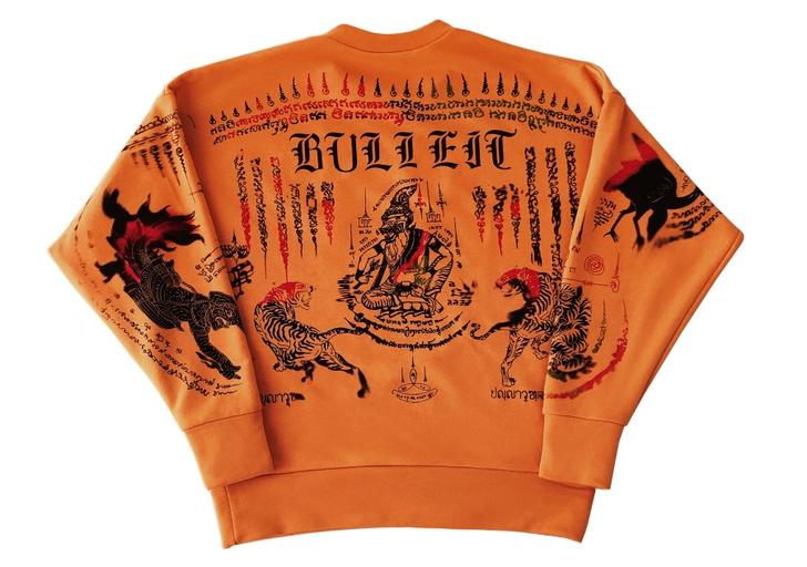 Фото №1 - Дизайнеры Outlaw Creative создали татуированный свитшот Outlaw Creative х Made For Bulleit