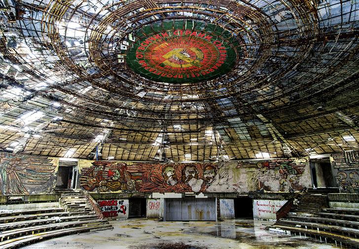 Фото №1 - Еще 5 живописных заброшенных сооружений