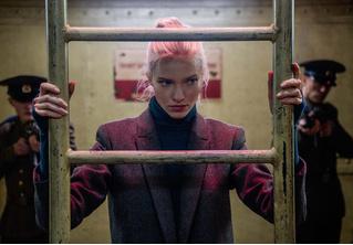 Вышел трейлер нового фильма Люка Бессона «Анна» про русскую наемную убийцу