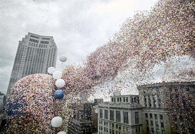 Фото №1 - Рекорд, обернувшийся катаклизмом: история запуска полутора миллиона воздушных шаров