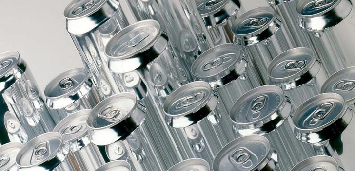 Фото №1 - Минздрав предлагает увеличить возраст продажи алкоголя до 21 года, а Минпромторг — вернуть торговлю в ночное время