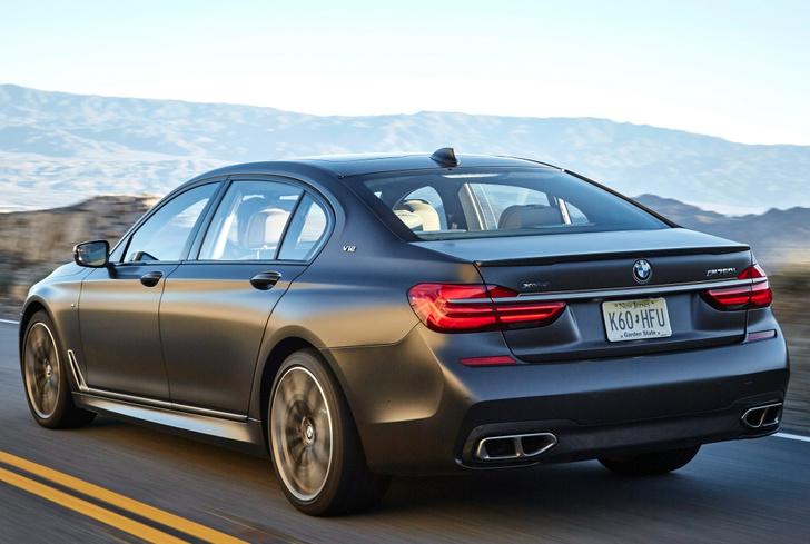 Фото №2 - BMW M760Li xDrive: 12 цилиндров седьмой серии