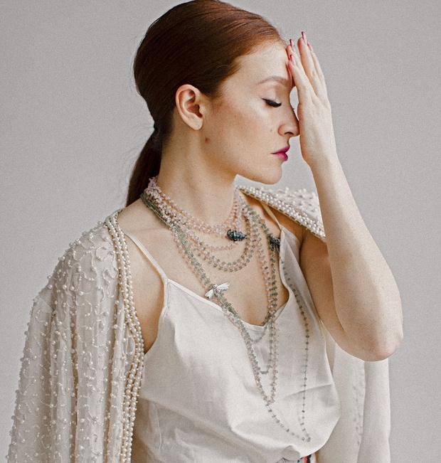 Фото №1 - О женщинах и насекомых: неординарные украшения от Dzhanelli Jewellery