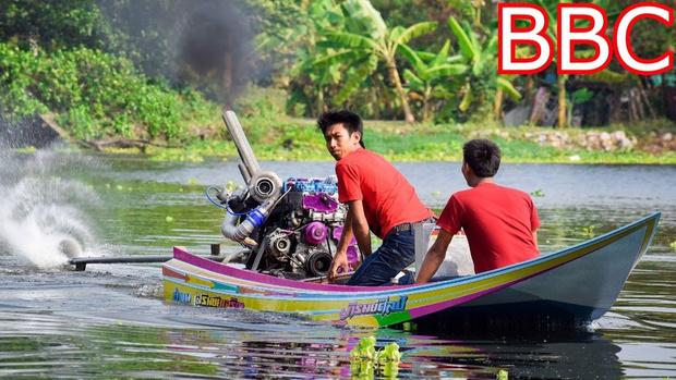 Фото №1 - Тюнинг по-тайски: на традиционные лодки устанавливают сверхмощные турбодизели (видео)
