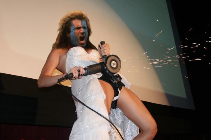 Фото №11 - Интернет феерично отреагировал на фото невесты, избавляющейся от пояса верности!