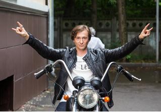 Дебютный сингл рок-группы Сергея Безрукова «Крестный папа»! Во всех жалейках страны!