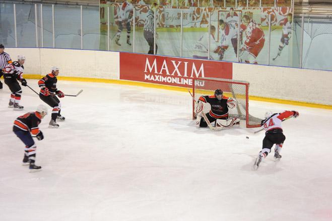 Фото №3 - Состоялся IV ежегодный хоккейный турнир на кубок журнала MAXIM