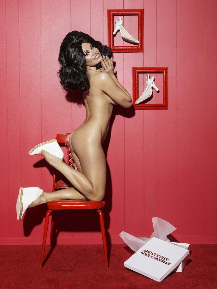 Фото №1 - Памела Андерсон предстала в образе брюнетки и разделась для благого дела