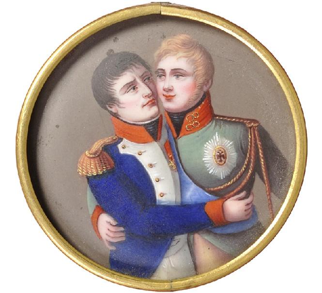 Наполеон и АлександрI обнимаются на памятном медальоне