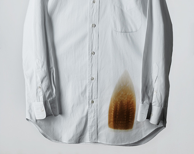 как стирать белые вещи: следы от утюга