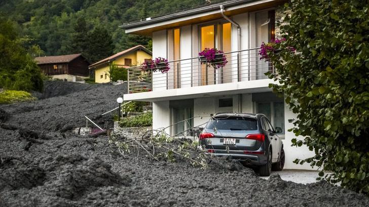 Фото №1 - На курортный город в Швейцарии обрушился мощный селевой поток (видео)