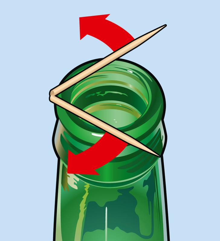 Фото №3 - Фокус: как поместить монетку в бутылку