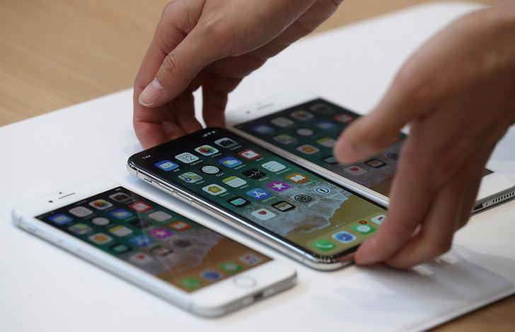 Фото №1 - Думаешь, $1000 за iPhone X — слишком дорого? Ха! Это ты еще не знаешь, сколько он будет стоить в России!