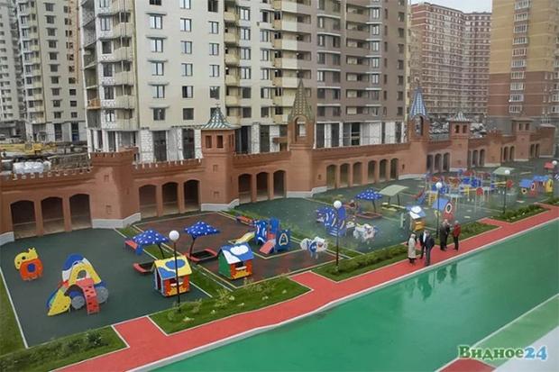 Фото №6 - Иностранцы с изумлением разглядывают русский детский сад