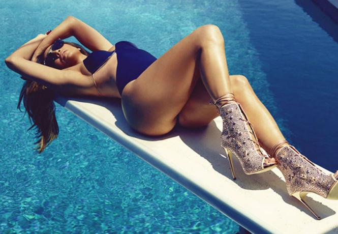 15 самых горячих гифок с Дженнифер Лопес